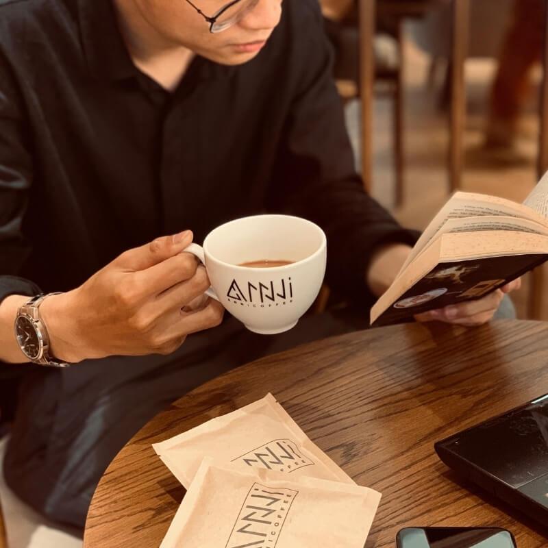 sử dụng cà phê phin sữa tiện dụng